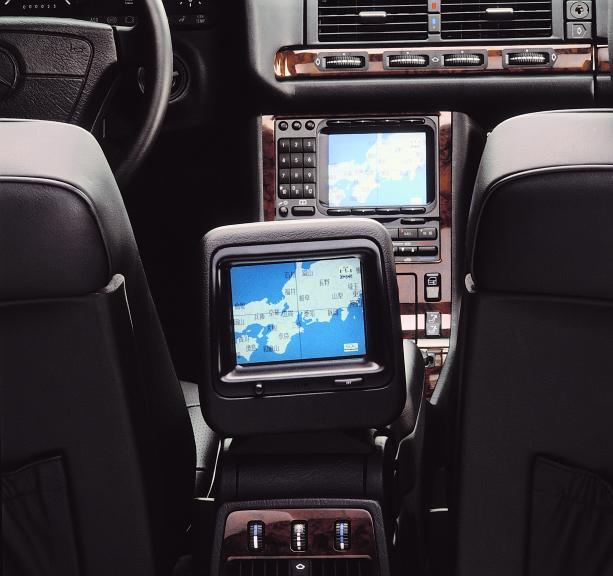 Mercedes radios and navigation for Mercedes benz navigation system update